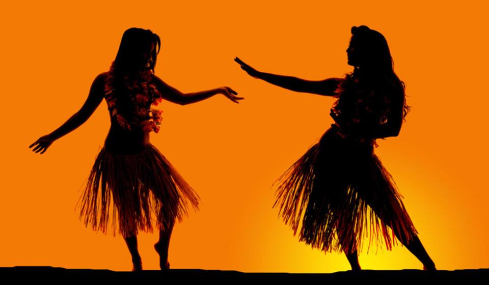image of polynesian dancers