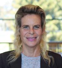 Beth Kaplan headshot